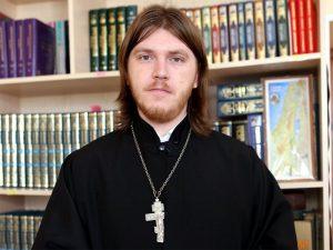Олег Кулик: «Отсутствие платка - не смертный грех!»